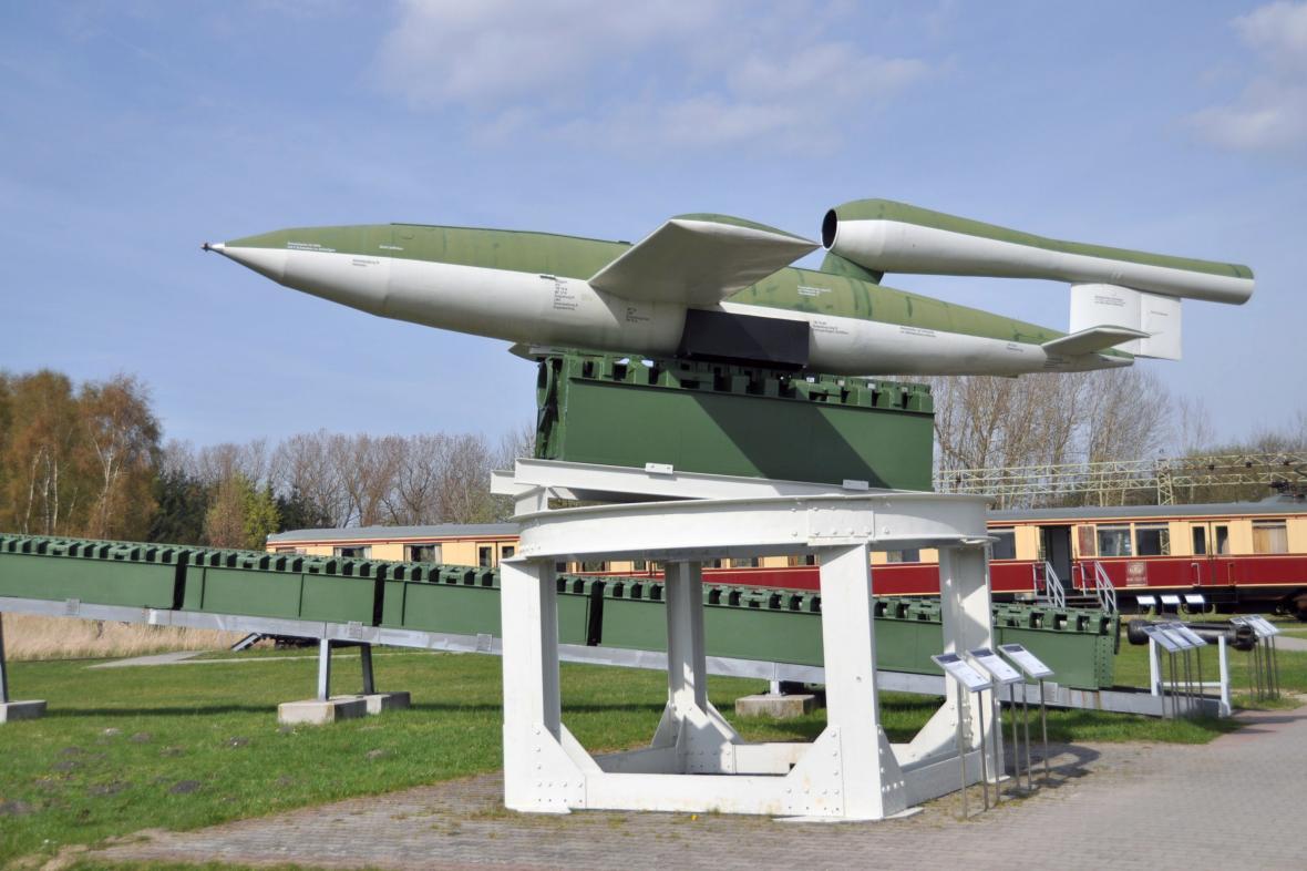 Replika rakety V1 v muzeu v Peenemünde