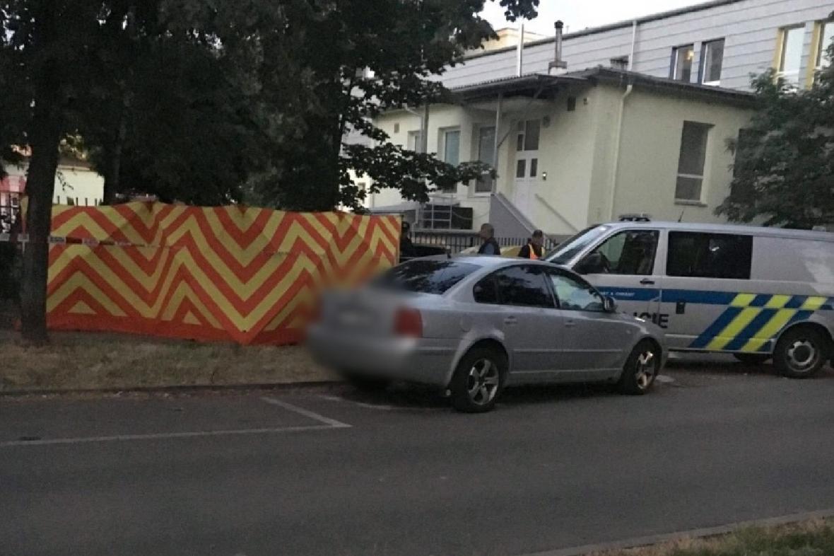 Policie ČR v ulici Holubova v Karviné