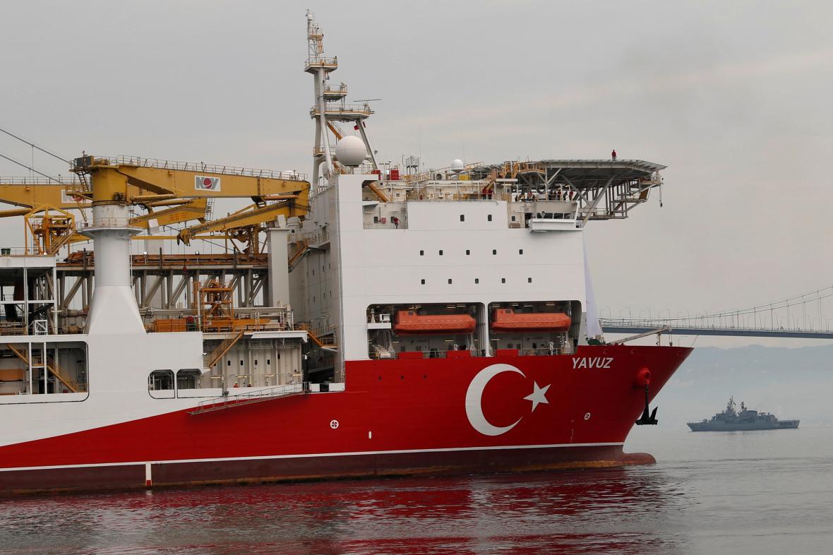 Turecká vrtná loď Yavuz