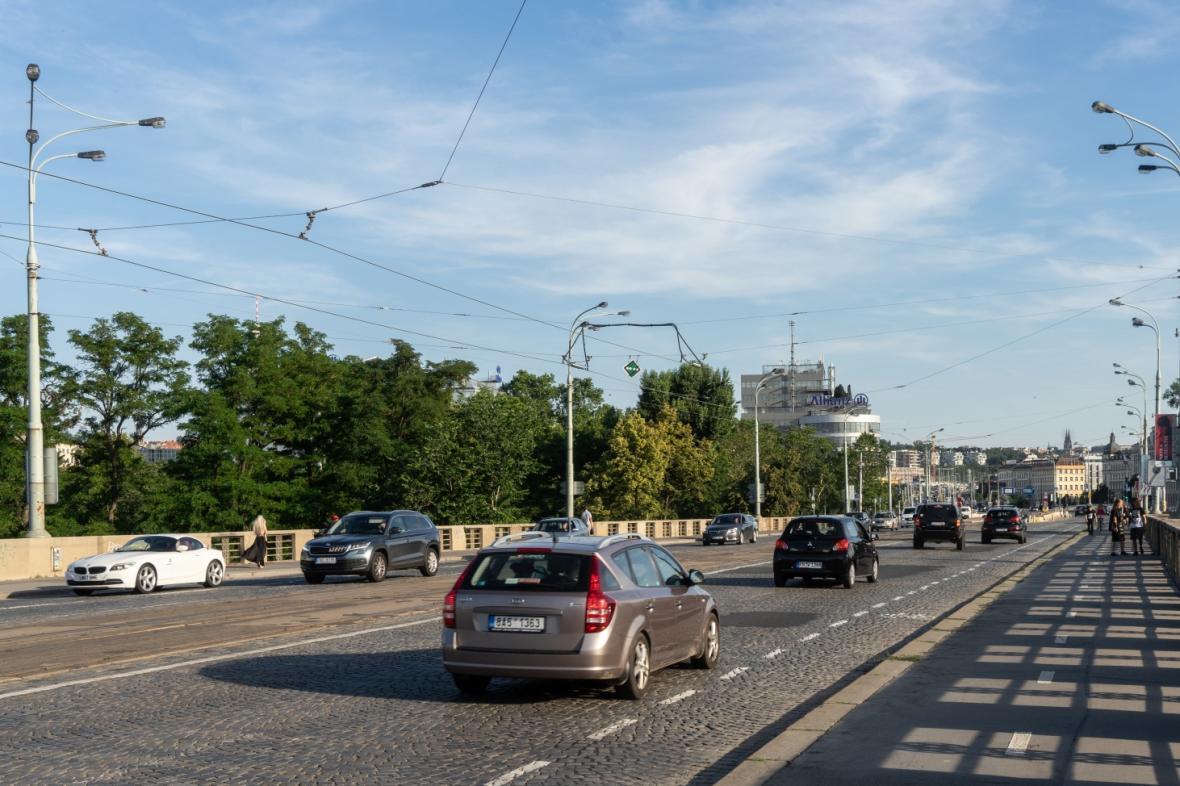 Hlávkův most