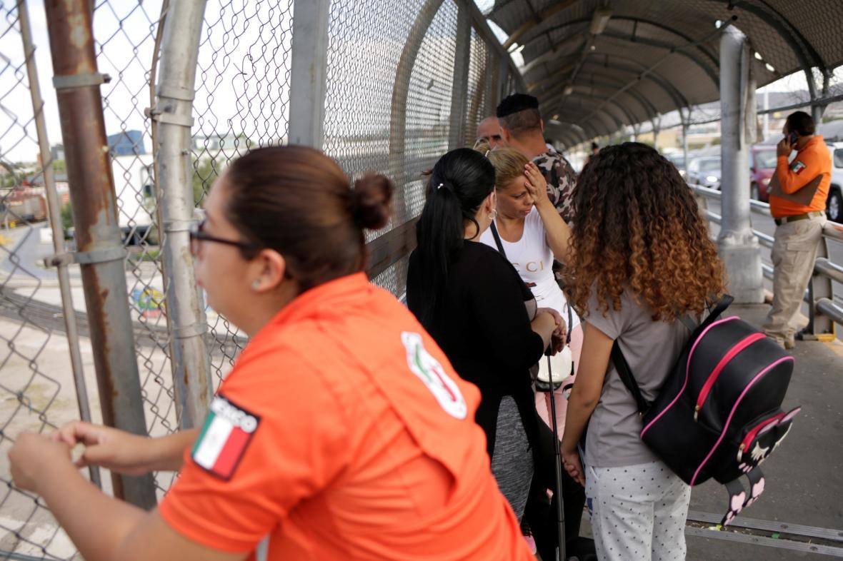 Uprchlíci z Kuby u hranic USA