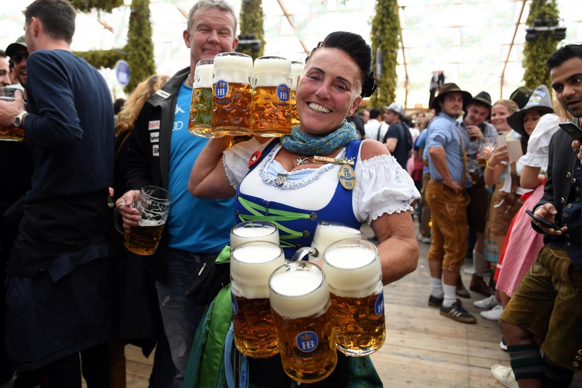V Německu začal svátek piva Oktoberfest