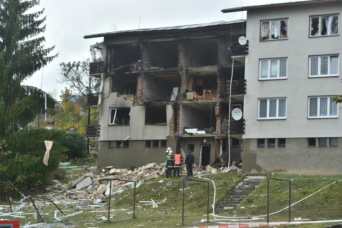 Výbuch a požár v domě v Lenoře
