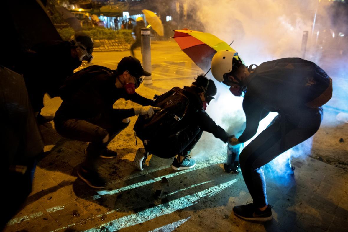 Policie v Hongkongu znovu použila ostré náboje