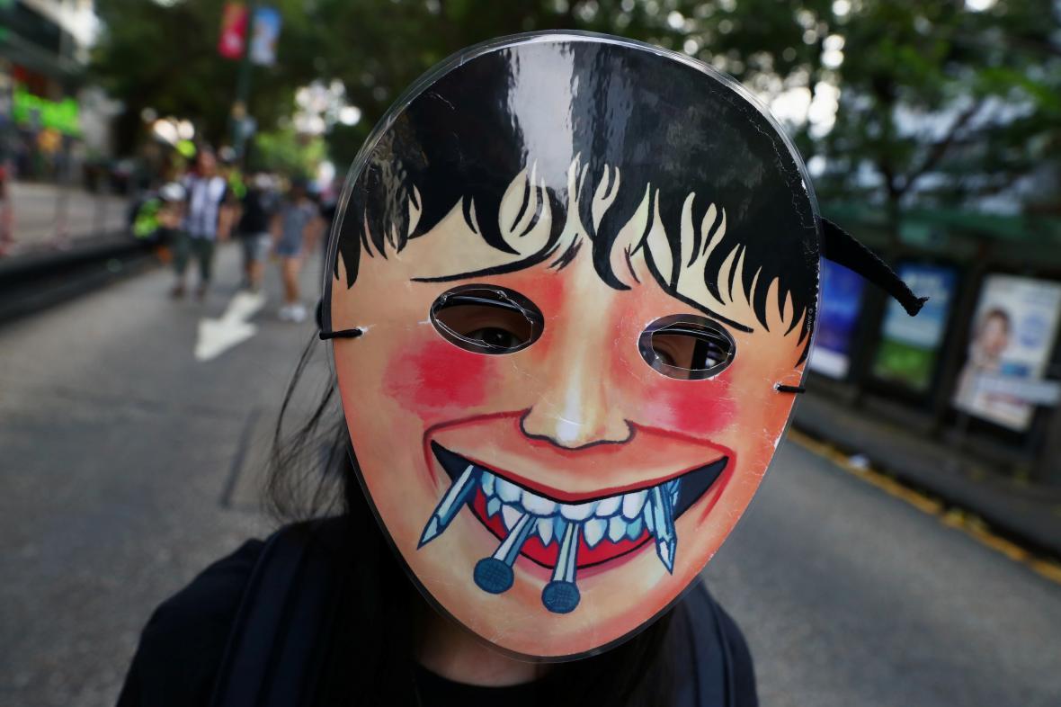 Protivládní demonstrující v Hongkongu