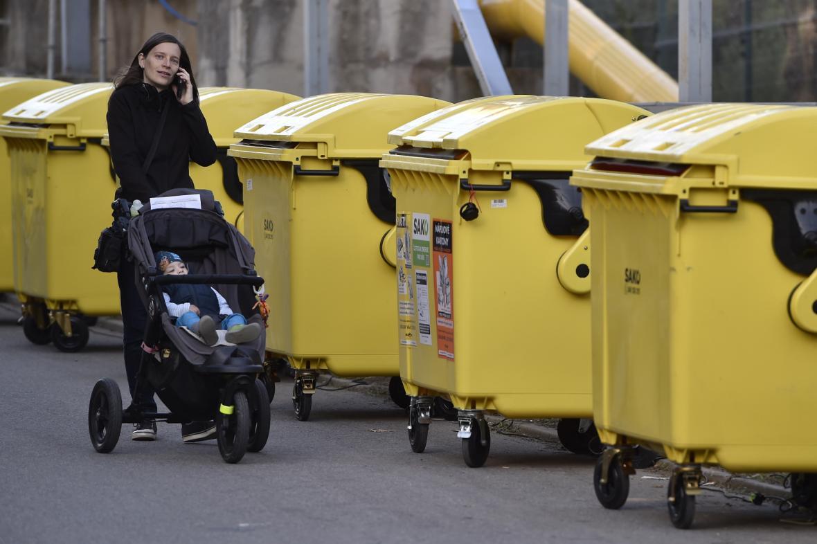Kontejnery na plastový odpad v Brně