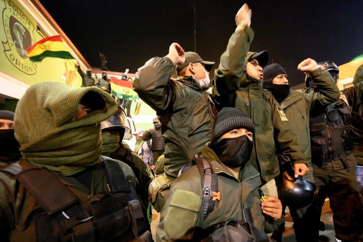 Bouřící se bolívijští policisté