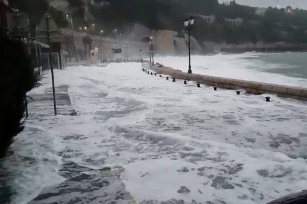 Záplavy v Villefranche-Sur-Mer