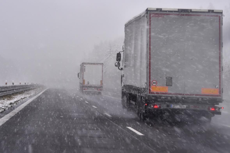 Sněžení na dálnici D1