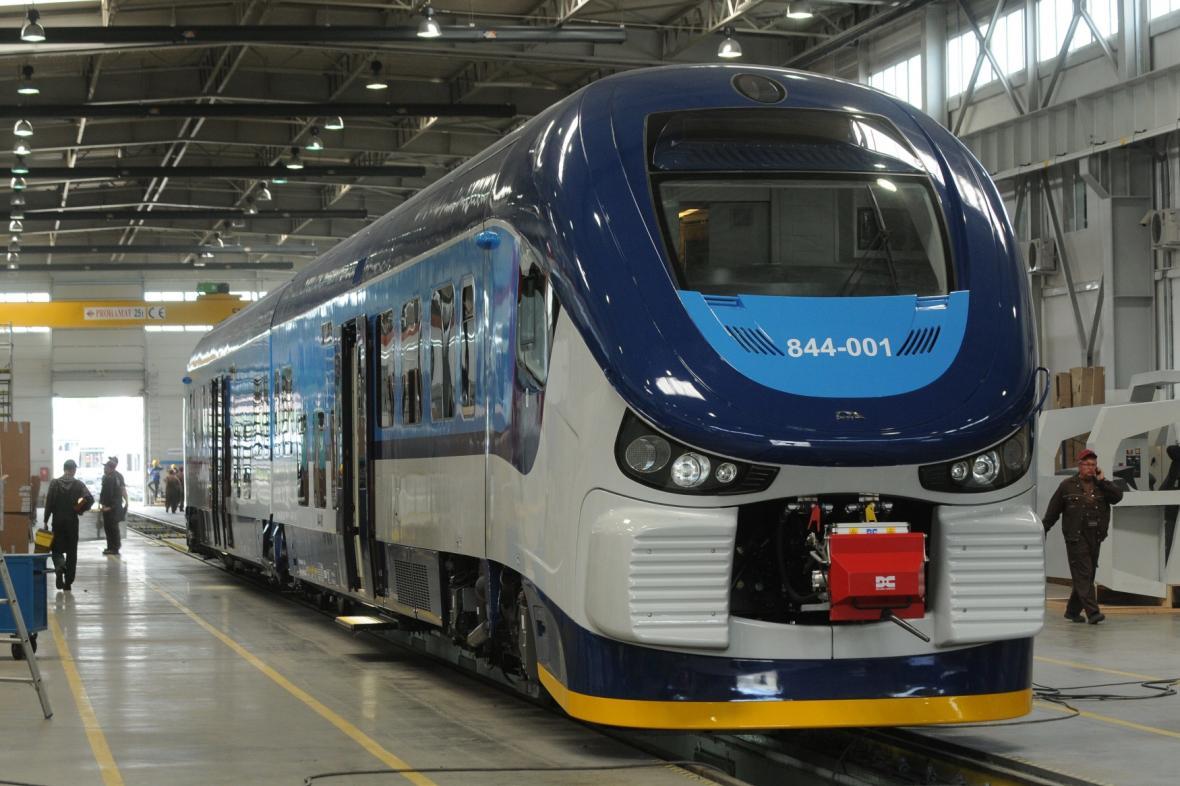 Pokuta pro České dráhy za nákup polských vlakových jednotek platí