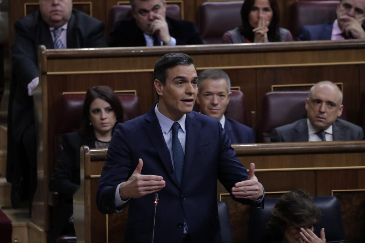 Pedro Sánchez v parlamentu