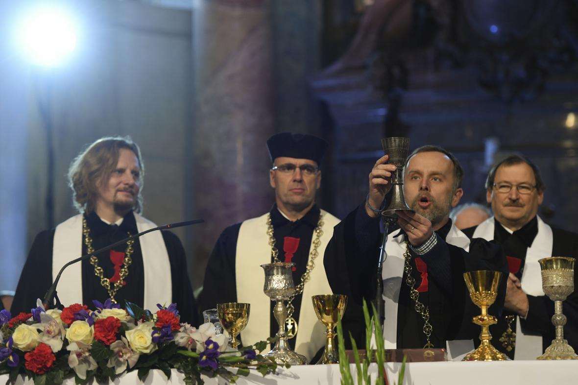 Slavnostní bohosužba ke stému výročí Církve československé husitské