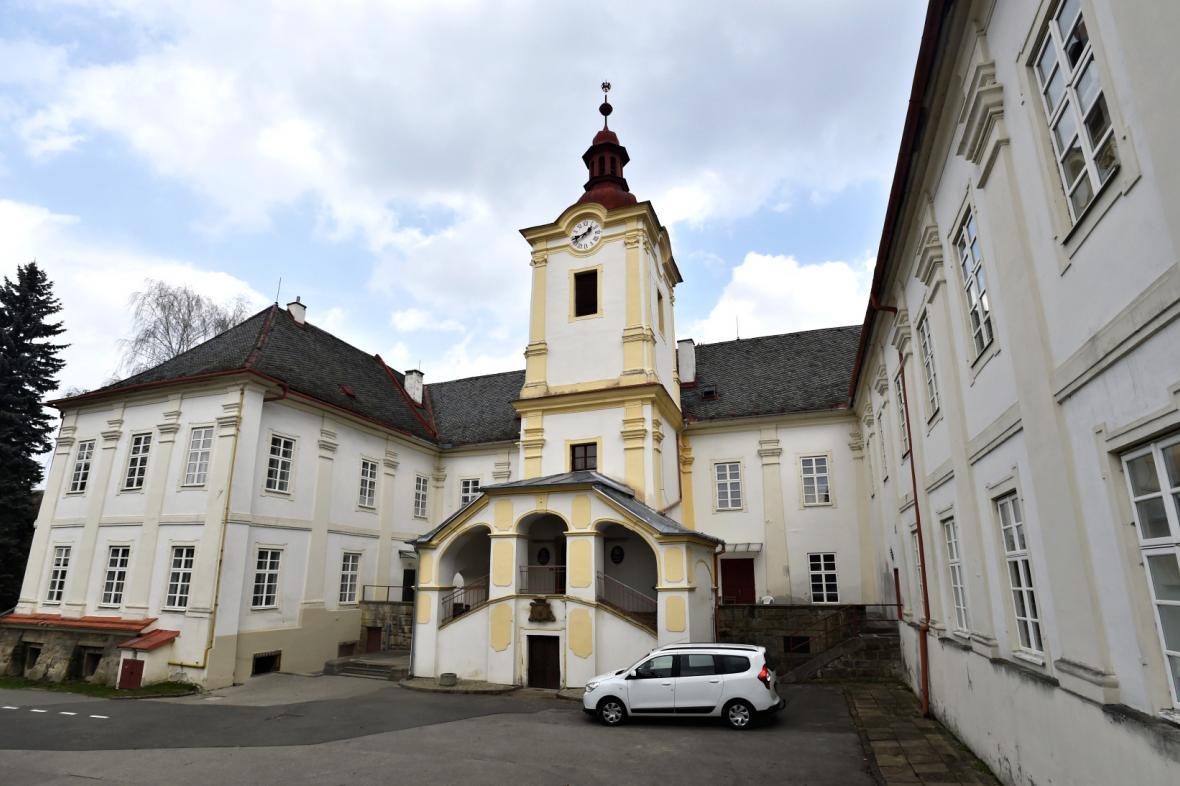 Luhačovický zámek se vrátil do majetku rodu Serényiů