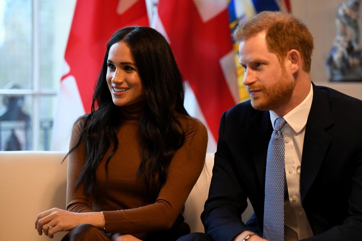 Britský princ Harry s manželkou Meghan
