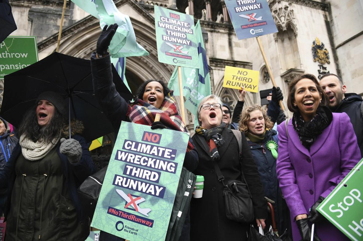 Protesty kvůli rozšiřování letiště Heathrow