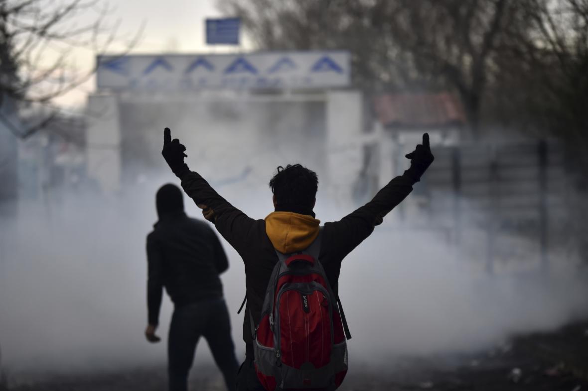 Migranti na turecko-řecké hranici