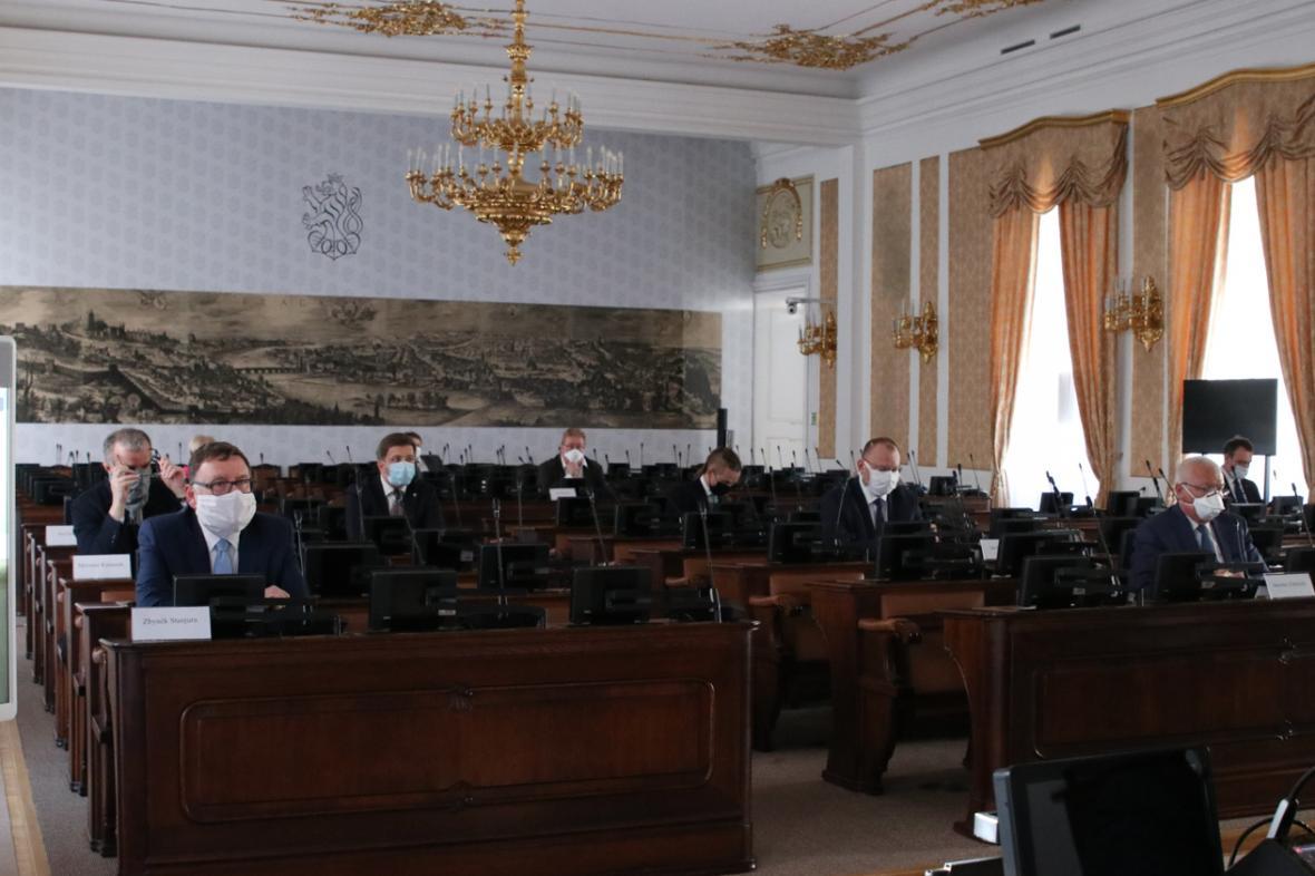 Jednání zástupců vlády a politických stran