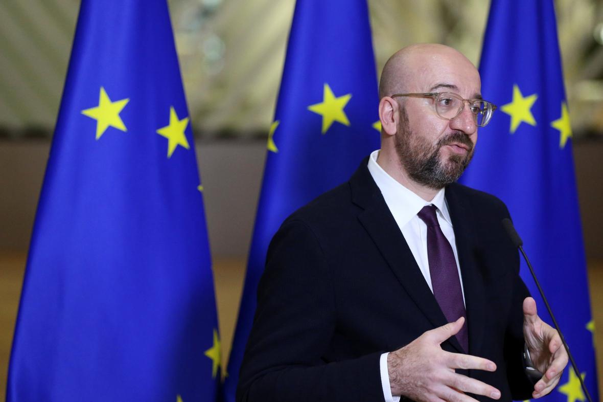 Charles Michel informuje novináře o výsledku unijního videosummitu