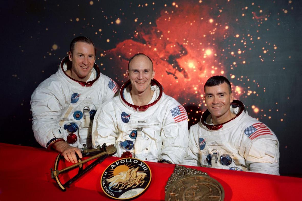 Posádka Apollo 13: James A. Lovell Jr.,Thomas K. Mattingly II, a Fred W. Haise Jr.