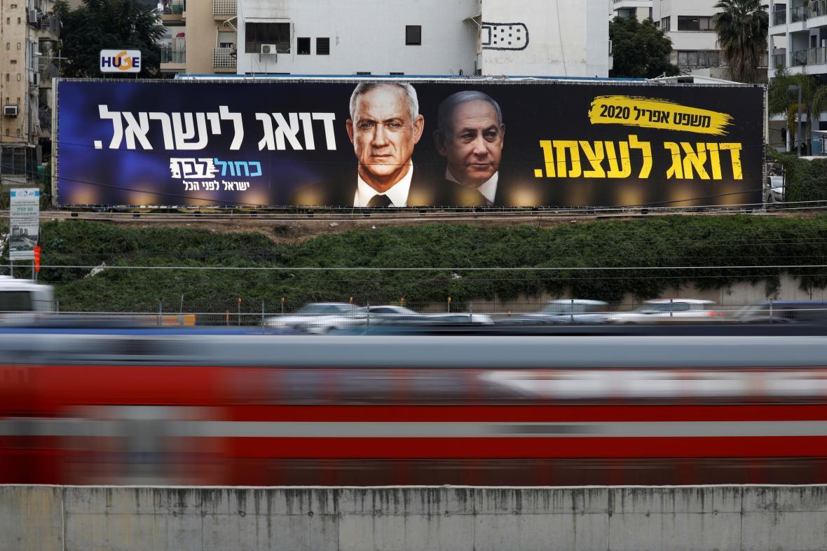 Benny Gantz a Benjamin Netanjahu na předvolebních plakátech