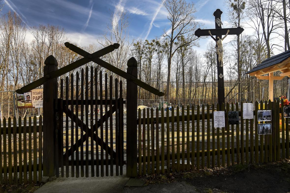 Místo po vyhořelém kostele v Gutech
