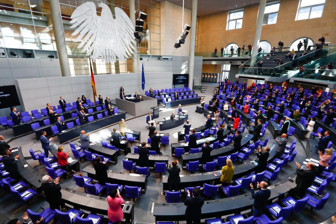 Německý parlament zasedá v budově Spolkového sněmu