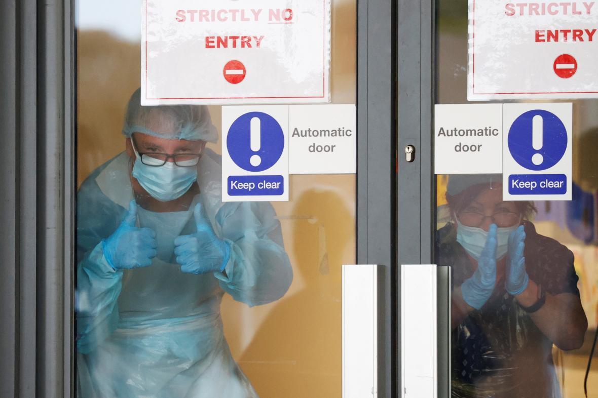 Zdravotníci britské NHS