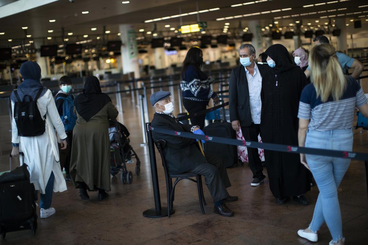 Cestující na bruselském letišti