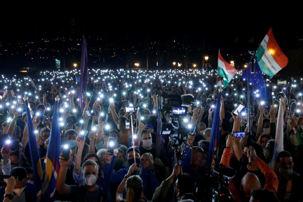 Demonstrace na podporu svobody médií v Budapešti