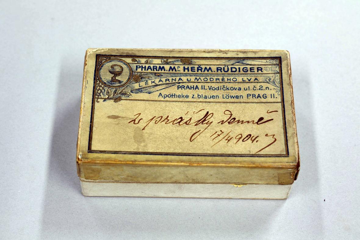 Krabička s léky, originální balení