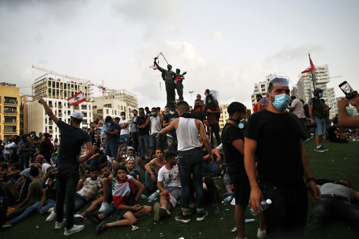 Protestující se shromáždili na bejrútském náměstí Mučedníků