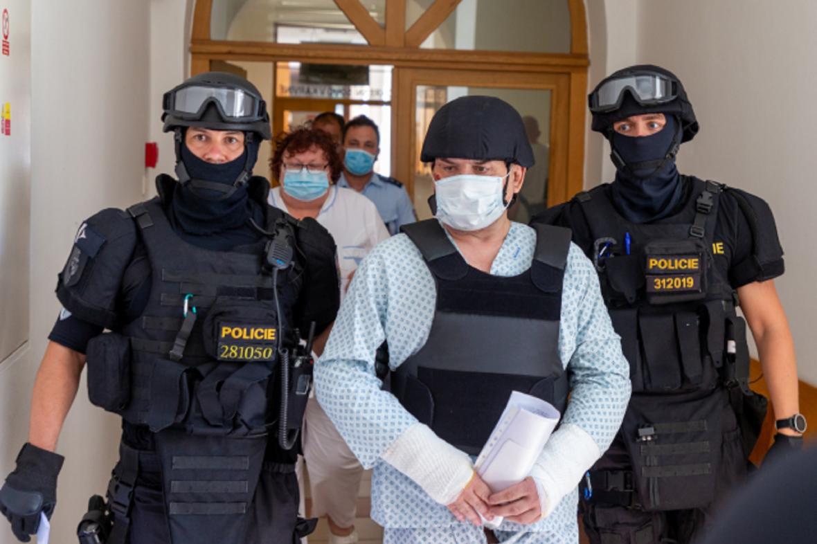 Muž obviněný z vraždy a obecného ohrožení v souvislosti se žhářským útokem v Bohumíně