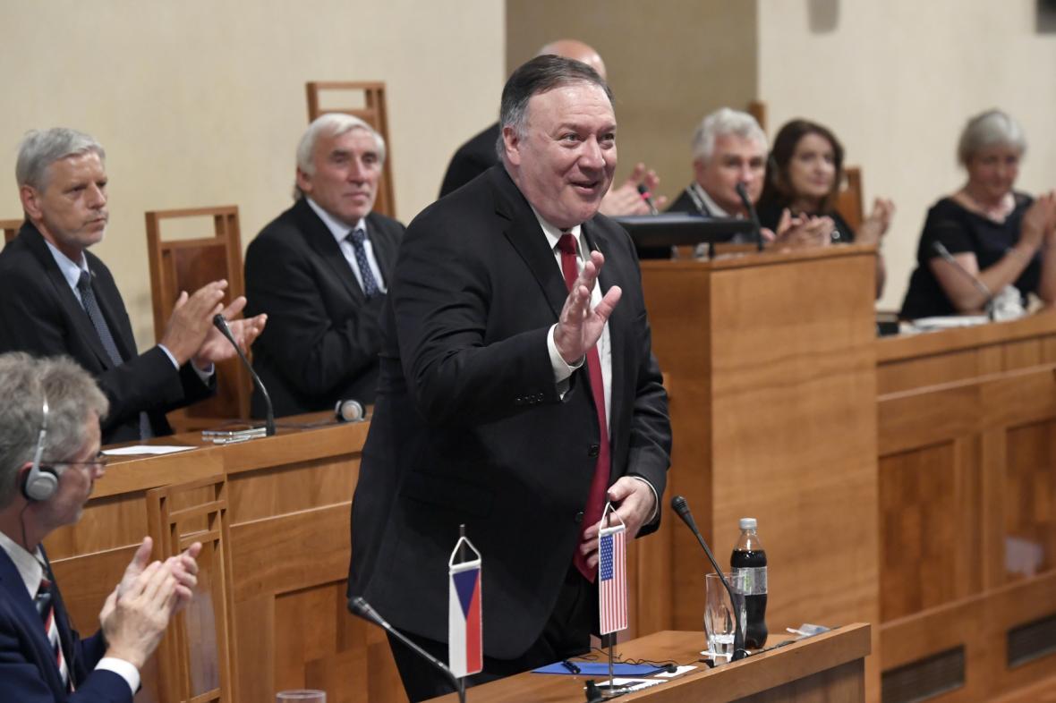 Mike Pompeo v českém Senátu
