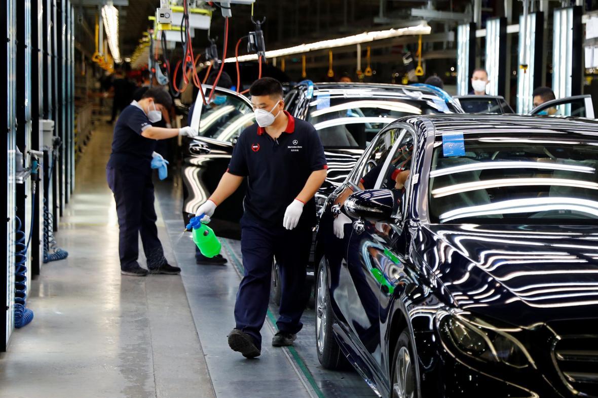 Továrna Daimleru v Pekingu