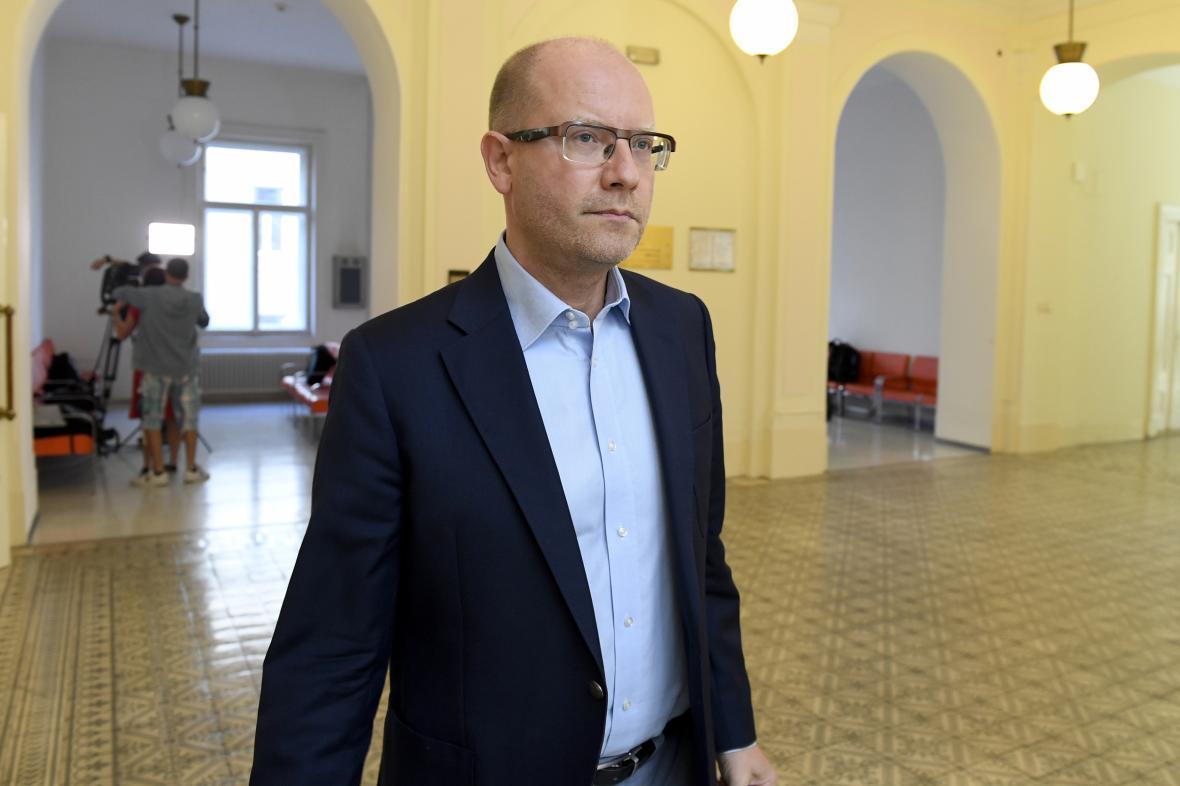 Bývalý premiér Bohuslav Sobotka u soudu