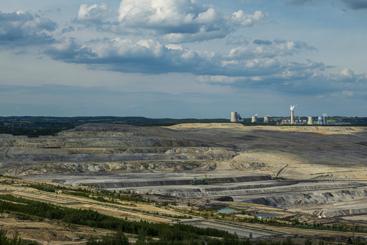 Polský hnědouhelný důl a elektrárna Turów