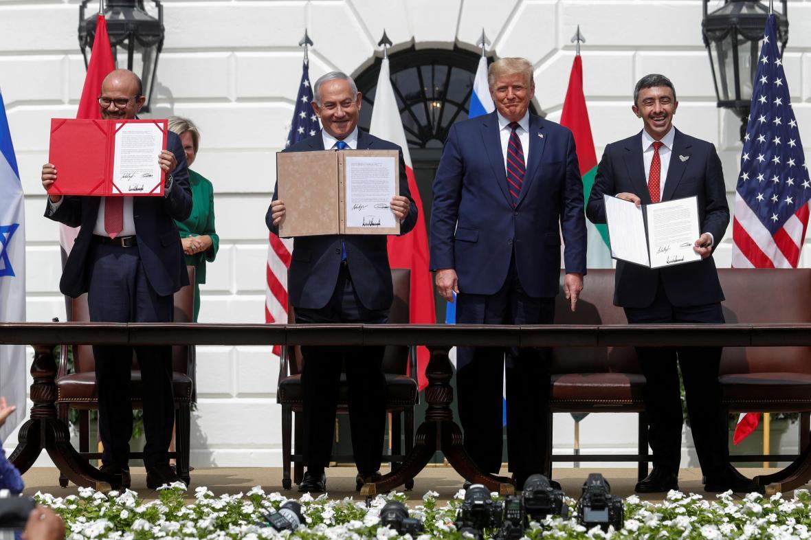 Podpis dohody o navázání vztahů mezi Bahrajnem s Emiráty na jedné straně a Izraelem na druhé
