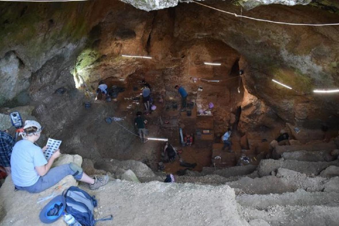 Výzkum jeskyně Picareiro