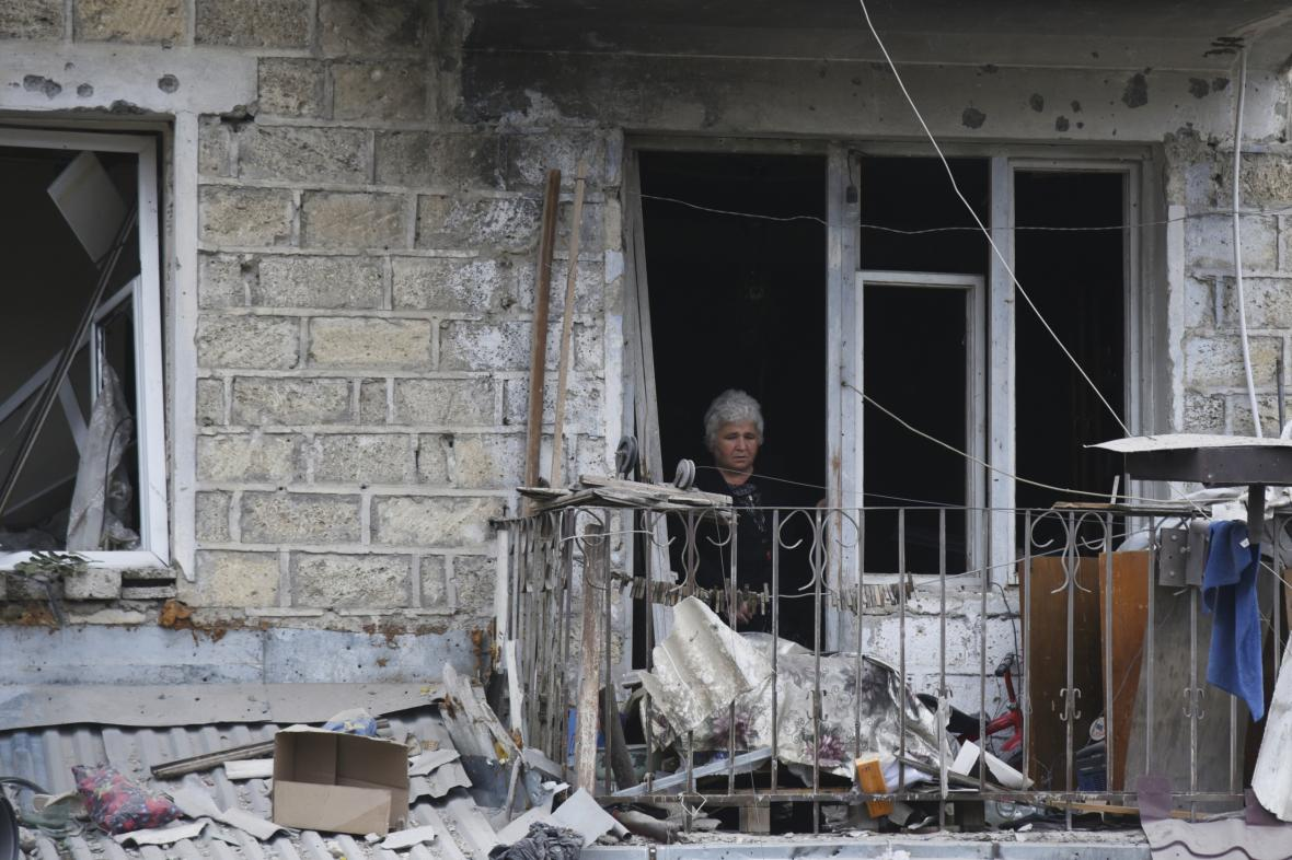Následky bojů v karabašské metropoli Stěpanakertu