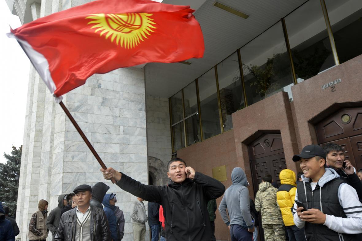 Povolební demonstrace v Kyrgyzstánu
