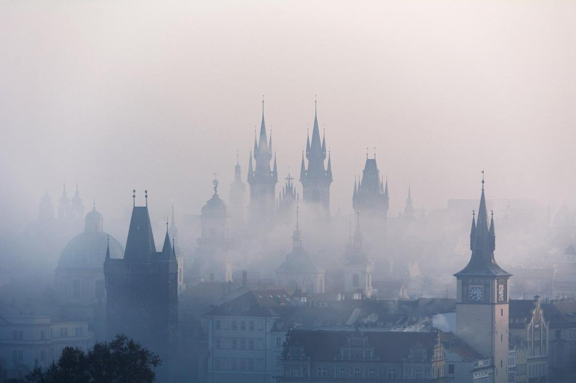 Mlha nad Prahou