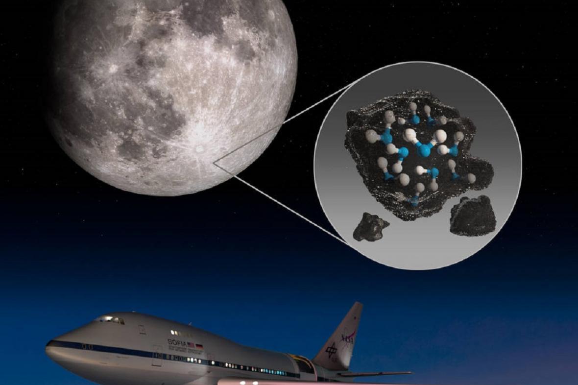 Objev vody na Měsíci