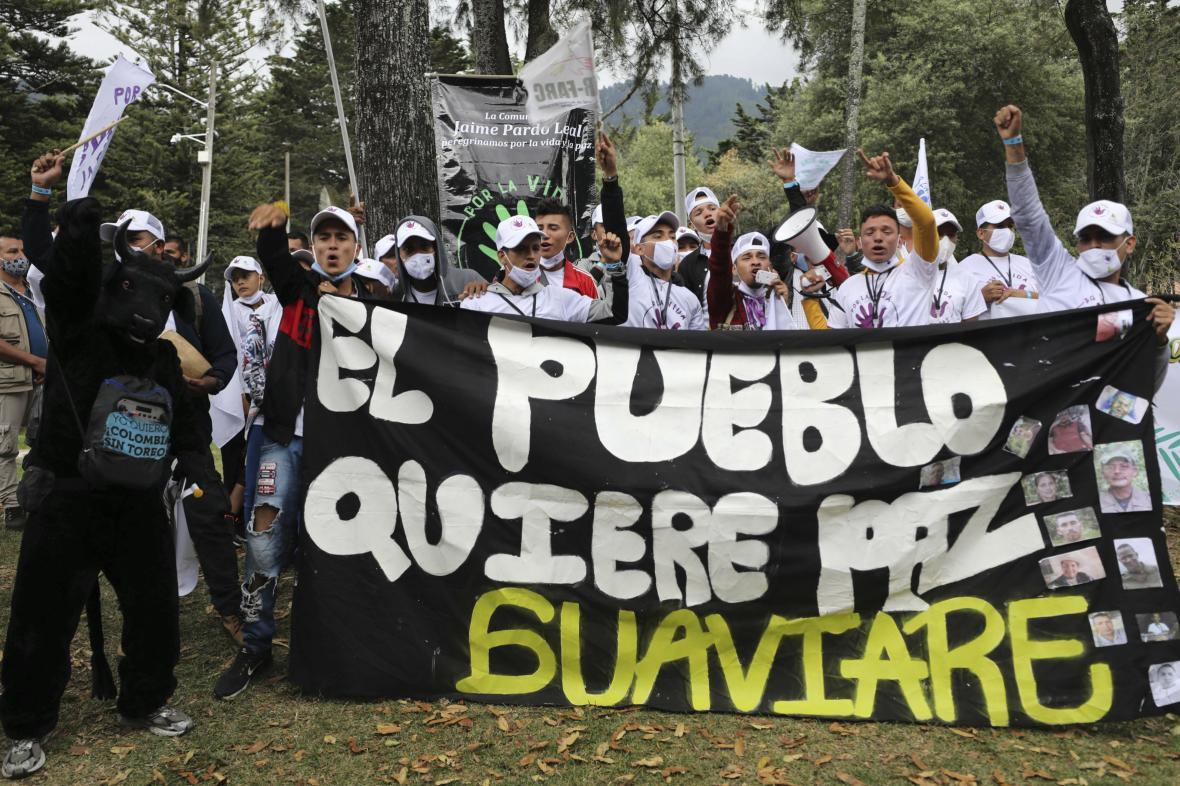 Povstalci v ulicích Bogotykolu