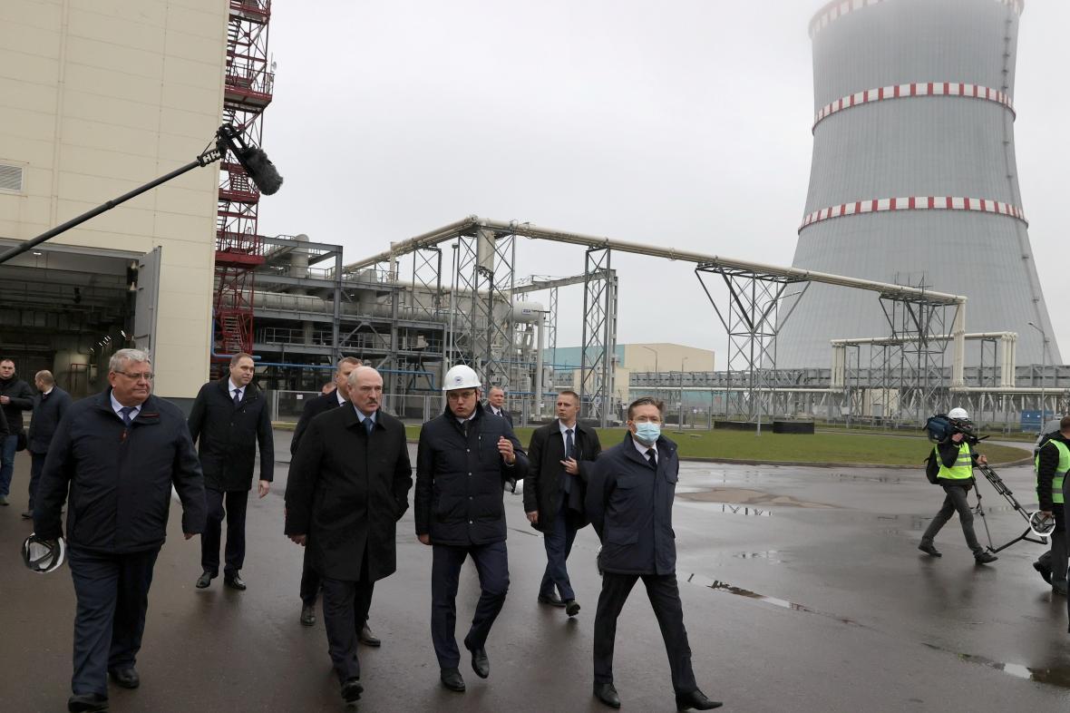 Lukašenko slavnostně otevřel jadernou elektrárnu