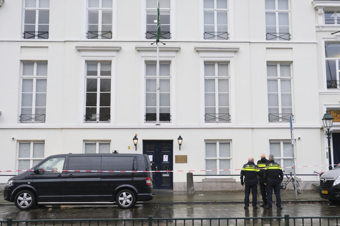 Nizozemská policie vyšetřuje střelbu na saúdskou ambasádu