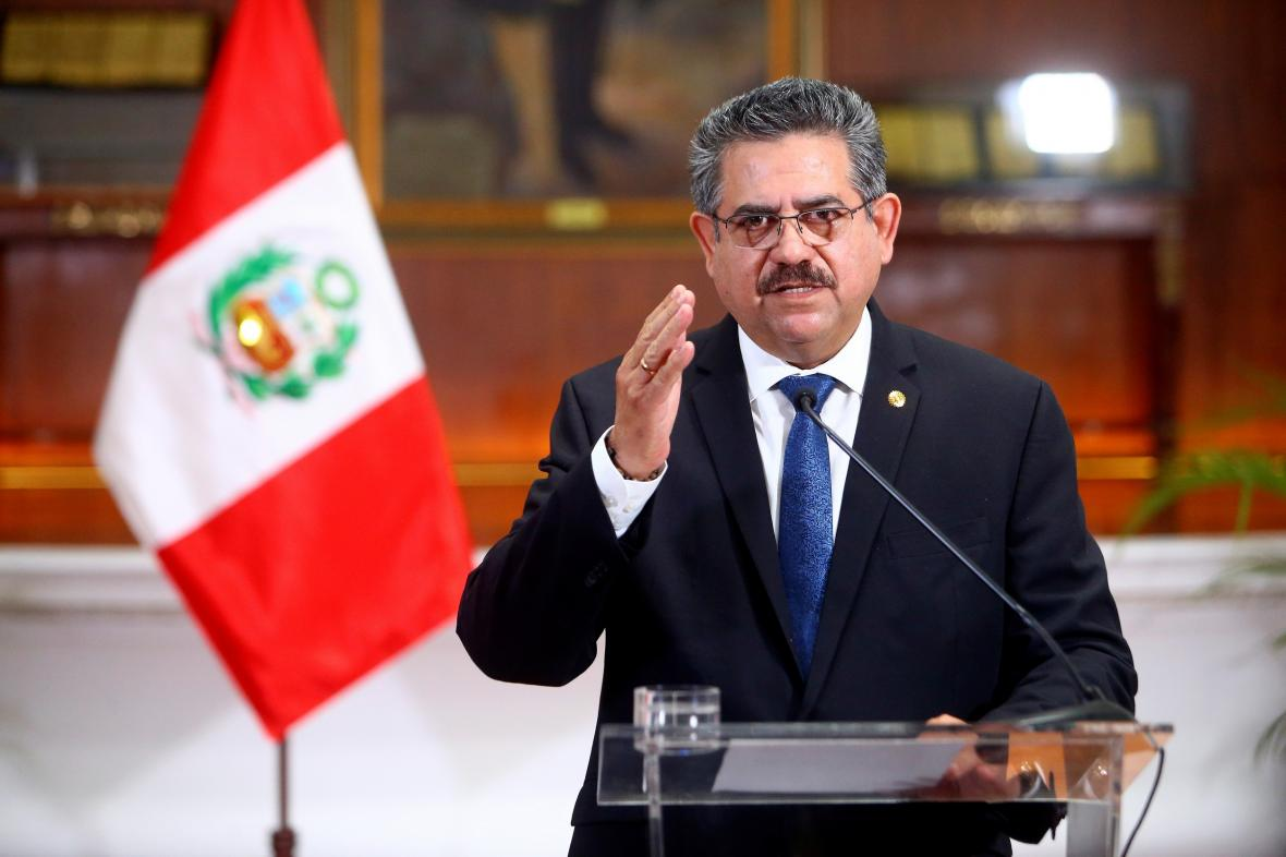 Manuel Merino oznámil odchod z funkce