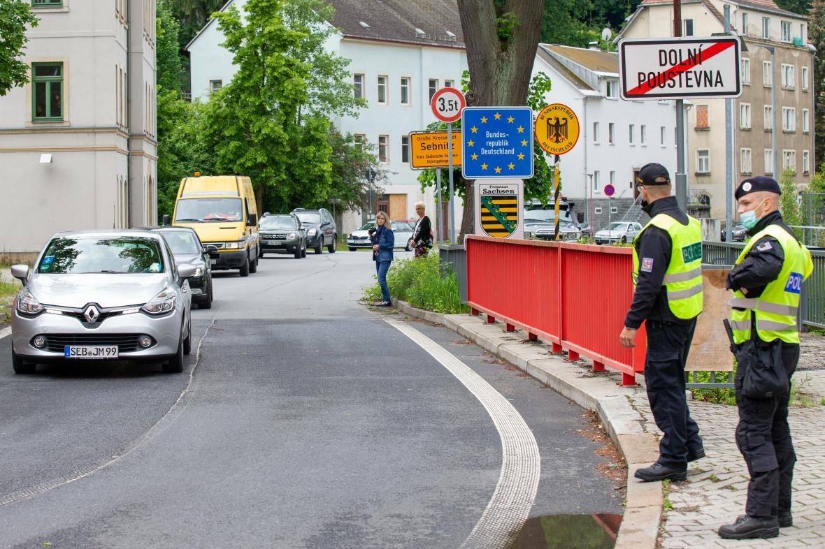 Policisté na hranici Česka a německého Saska