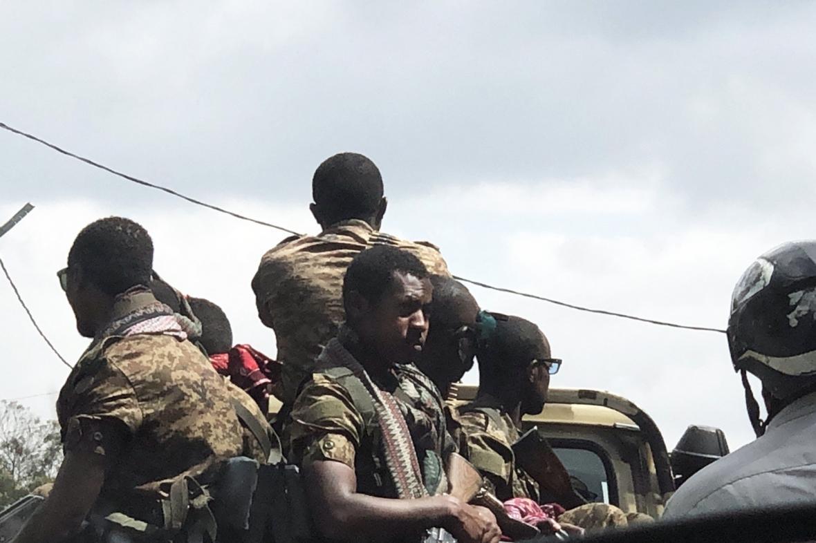 Etiopští vojáci v ulicích města Addis Ababa