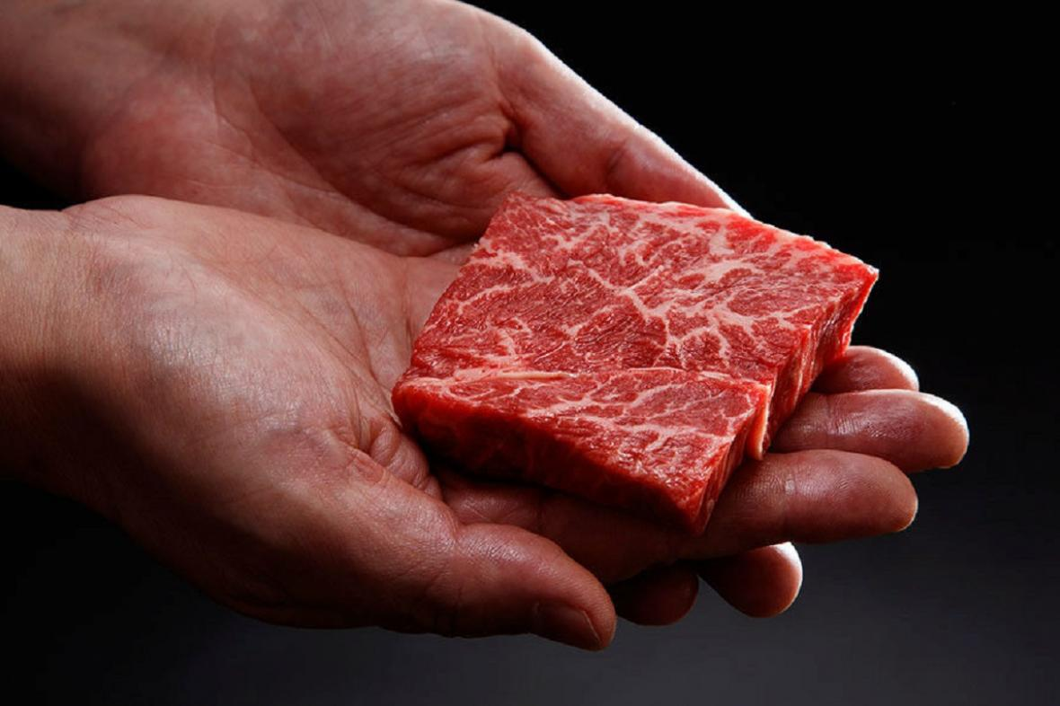 Umělé maso s laboratoře