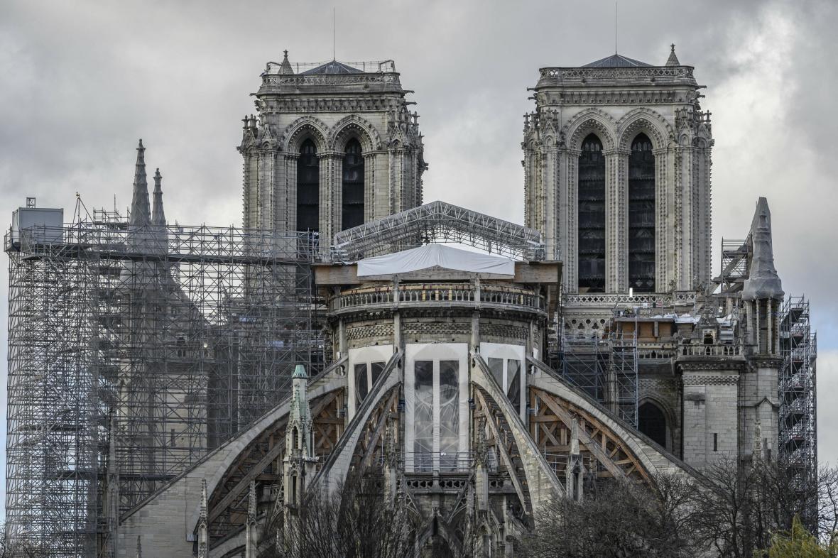 Katedrála Notre-Dame v prosinci 2020